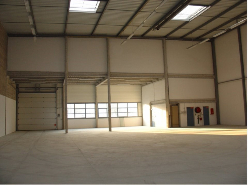 Location local commercial La courneuve 10671,98€ HT/HC - Photo 2