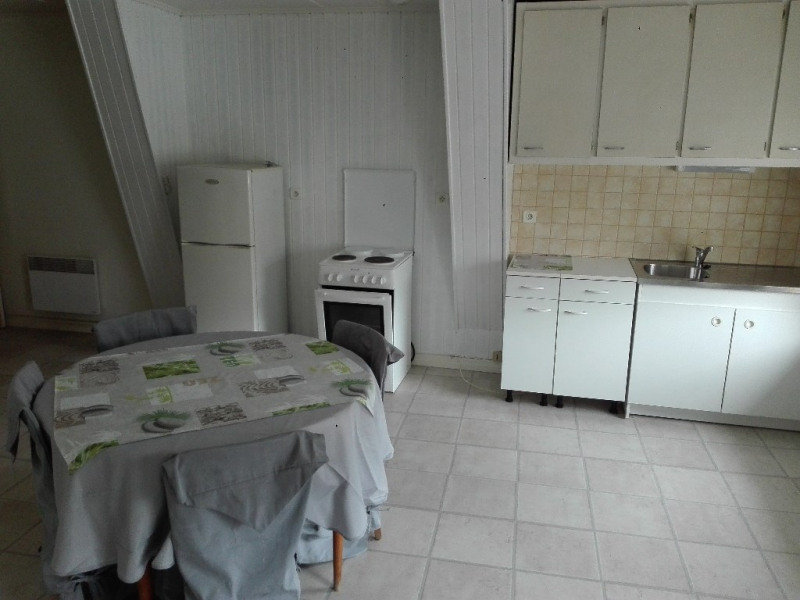 Rental apartment Aire sur la lys 425€ CC - Picture 1
