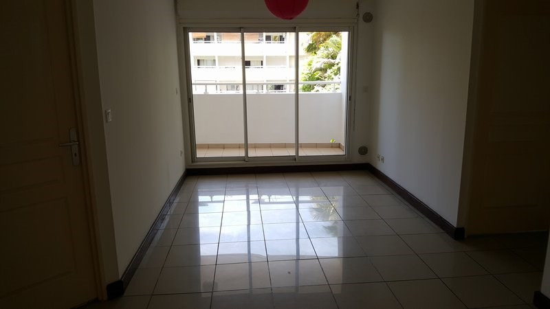 Location appartement St denis 630€ CC - Photo 2