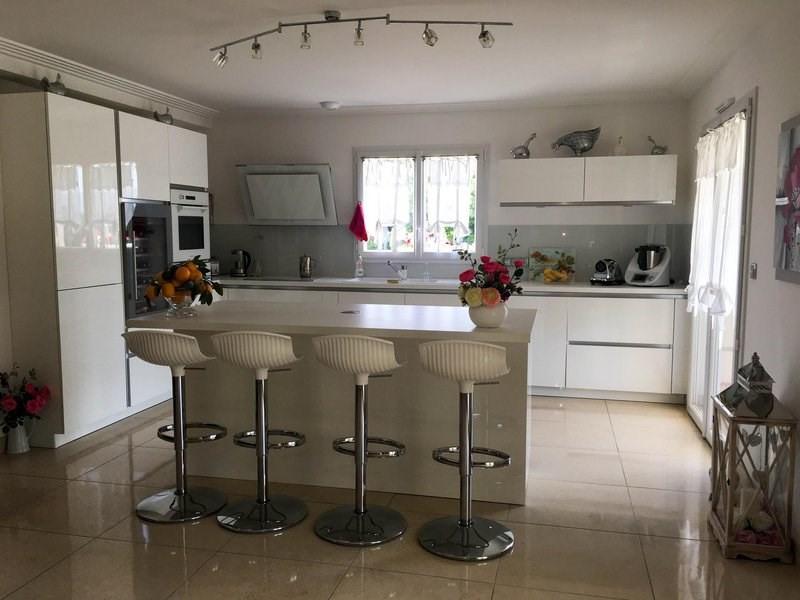 Deluxe sale house / villa Morancé 745000€ - Picture 5