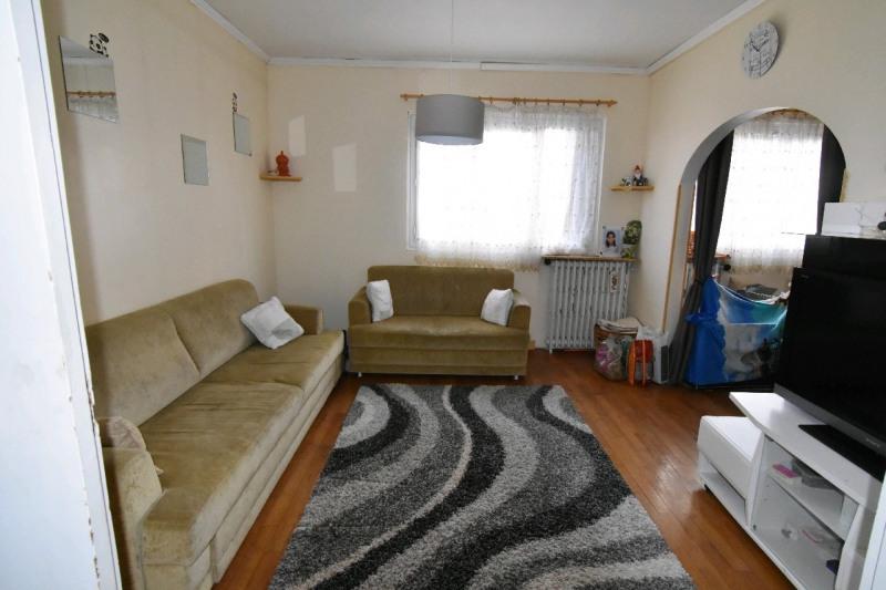 Sale house / villa Persan 236000€ - Picture 1