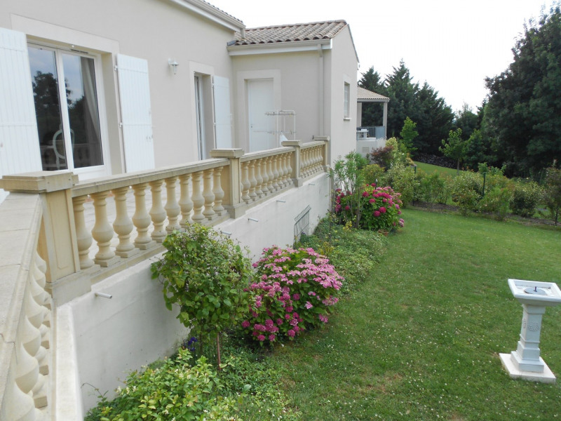 Vente maison / villa Mirambeau 275 000€ - Photo 8