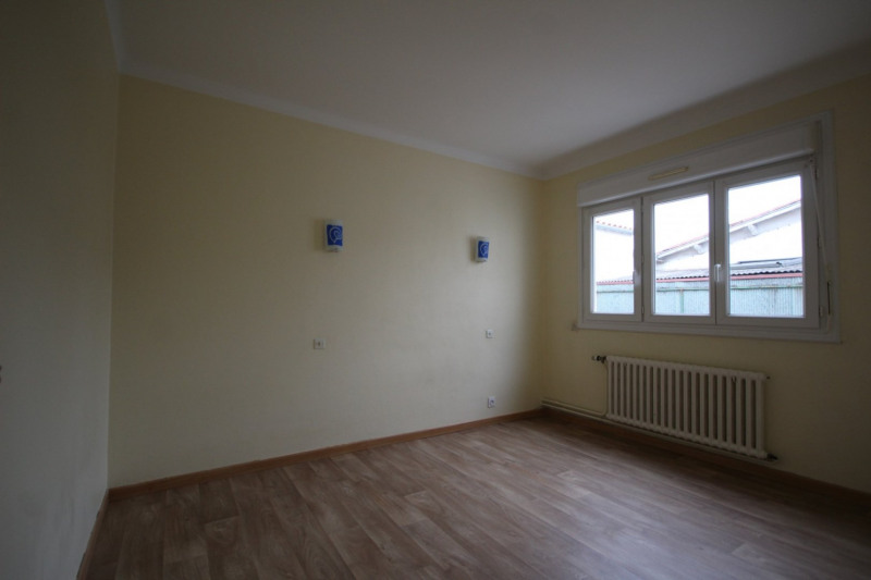 Rental apartment Aizenay 515€ CC - Picture 1