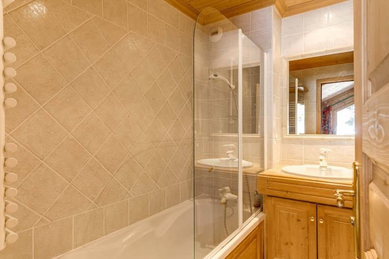 Deluxe sale apartment Meribel 1 395 000€ - Picture 7