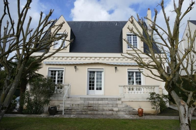 Sale house / villa Verrieres le buisson 795 000€ - Picture 1