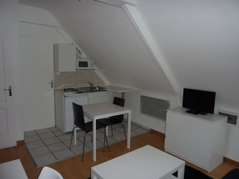Rental apartment Pontivy 308€ CC - Picture 3