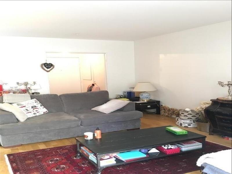 Rental apartment Courbevoie 1391€ CC - Picture 1
