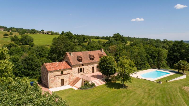Deluxe sale house / villa Le bouyssou 572000€ - Picture 2