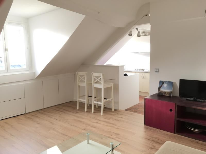 Rental apartment Paris 7ème 1 365€ CC - Picture 2