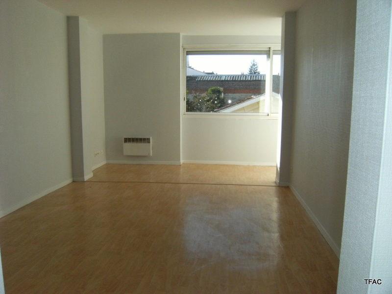 Location appartement Bordeaux 605€ CC - Photo 2