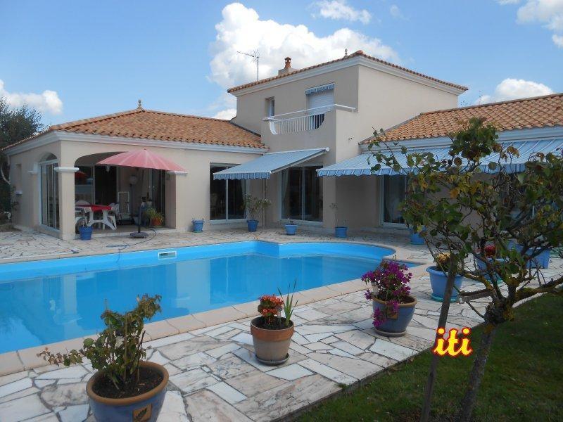 Deluxe sale house / villa Chateau d'olonne 643000€ - Picture 1