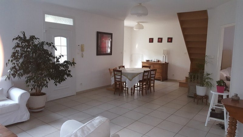 Location maison / villa Champagne au mont d'or 1 820€ CC - Photo 7