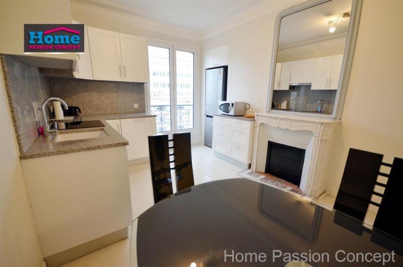Location appartement Paris 10ème 2200€ CC - Photo 4