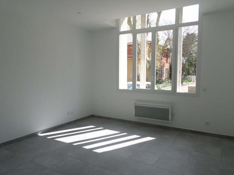 Rental apartment Salon de provence 490€ CC - Picture 1