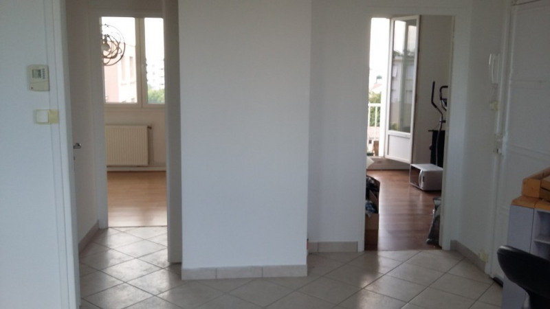 Rental apartment Valence 560€ CC - Picture 2