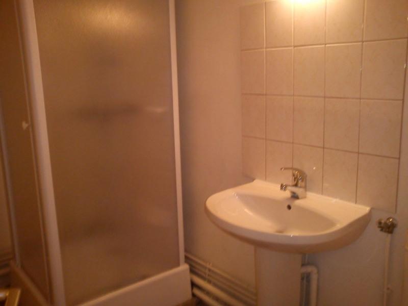 Location appartement Laval 290€ CC - Photo 4