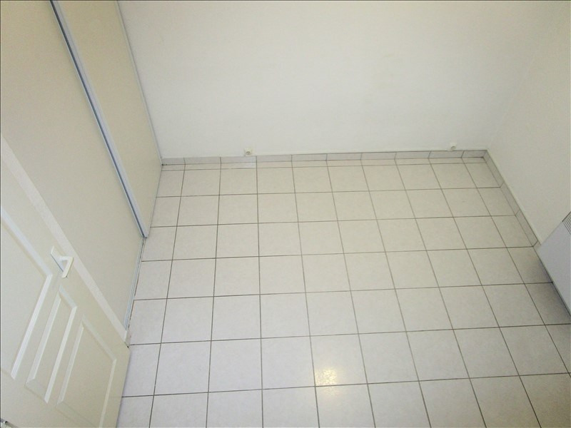 Rental apartment Tarbes 320€ CC - Picture 3