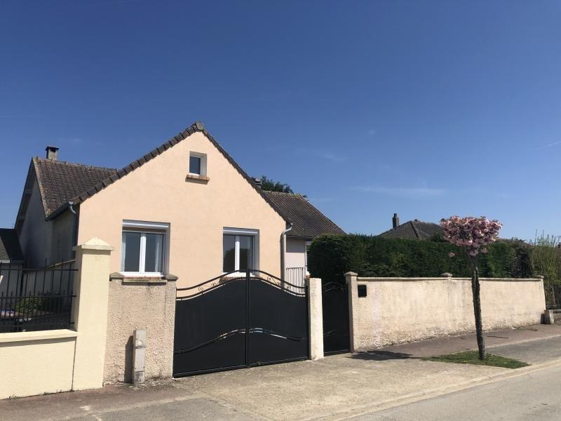 Sale house / villa Garancieres en beauce 294000€ - Picture 1