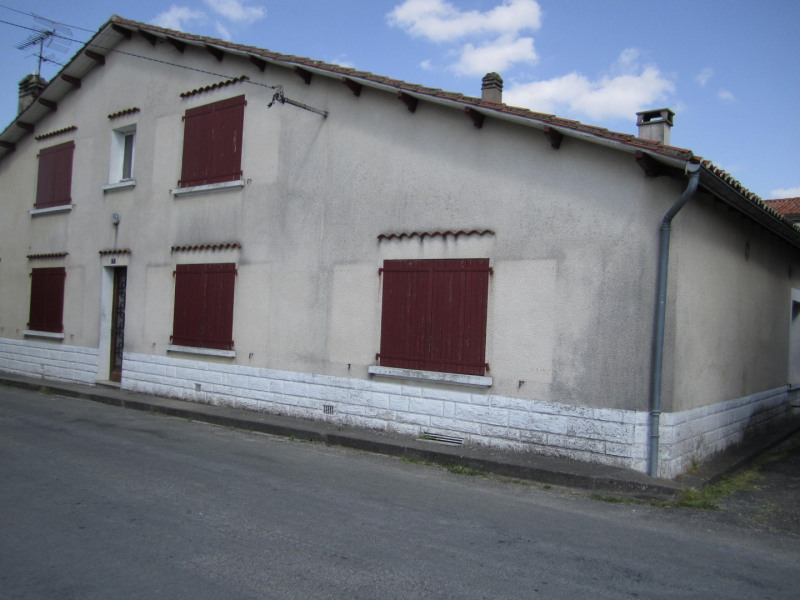 Sale house / villa Montmoreau 22 000€ - Picture 2