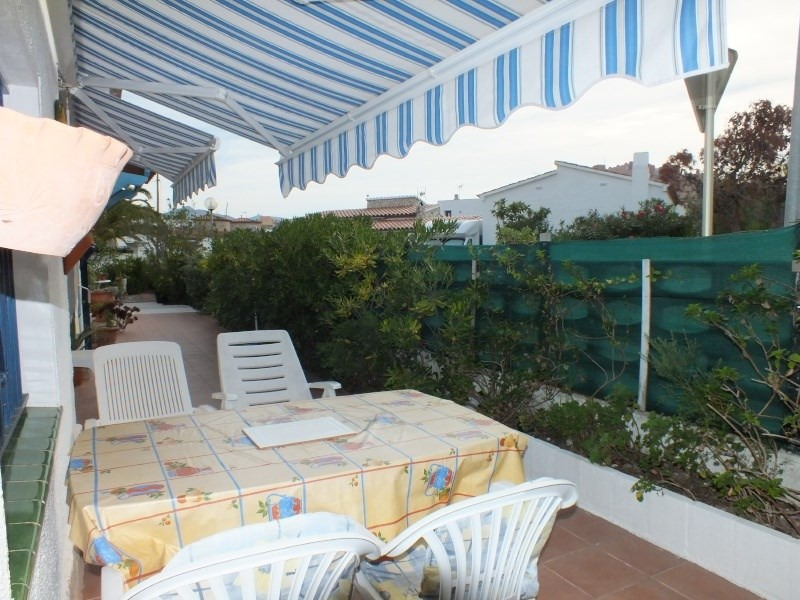 Vacation rental house / villa Roses 1056€ - Picture 7
