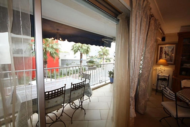 Sale apartment Antibes 730 000€ - Picture 1