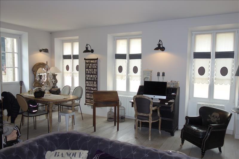 Deluxe sale house / villa Versailles 1135000€ - Picture 1