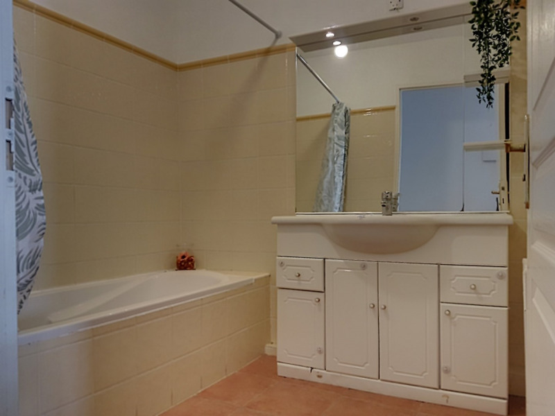 Vacation rental apartment Ste maxime 875€ - Picture 9