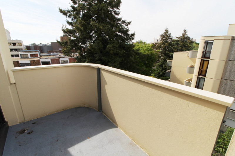 Rental apartment Elancourt 1 271€ CC - Picture 4