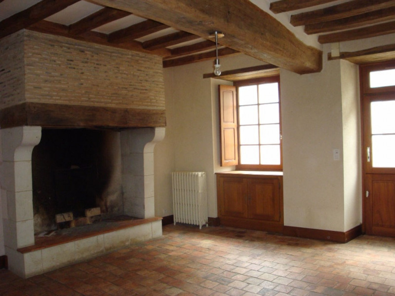 Rental house / villa Seiches sur le loir 665€ CC - Picture 2