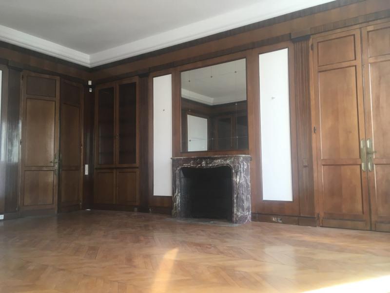 Rental apartment Paris 8ème 11000€ CC - Picture 3