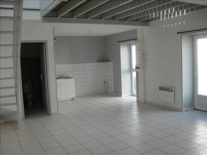 Rental apartment Falaise 525€ CC - Picture 1
