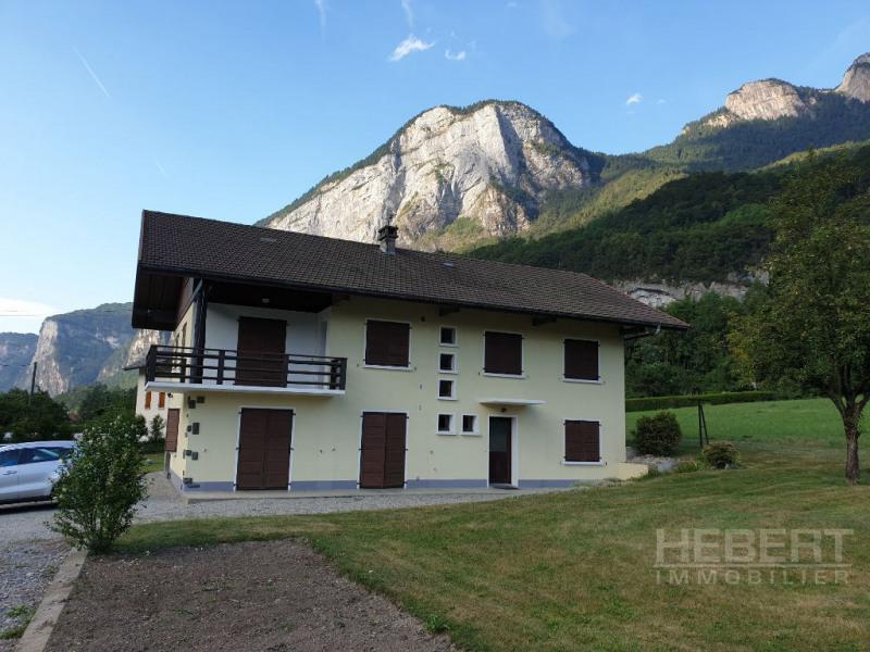Rental apartment Magland 820€ CC - Picture 3