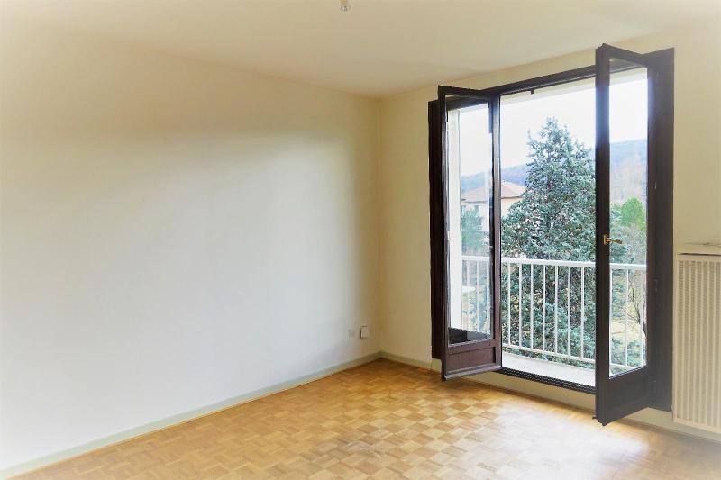 Location appartement Pont de claix 548€ CC - Photo 1