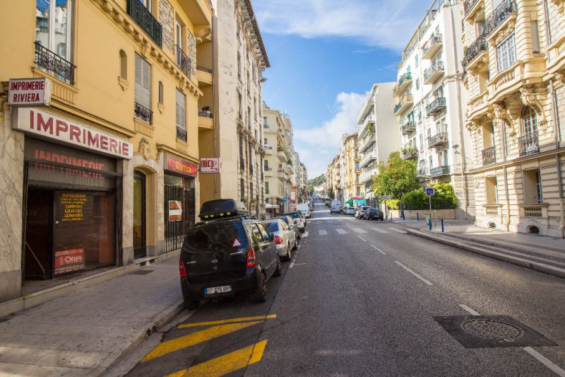 Location local commercial Nice 710€ CC - Photo 5