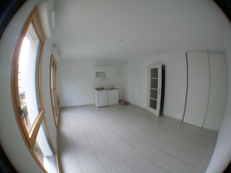 Rental apartment Chaponost 490€ CC - Picture 2
