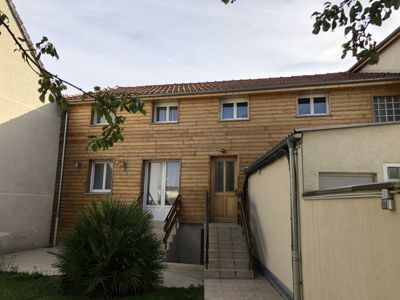 Location appartement Bondy 990€ CC - Photo 1