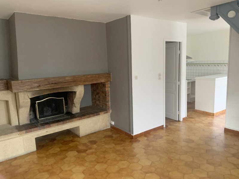 Rental apartment Bouc bel air 895€ CC - Picture 2