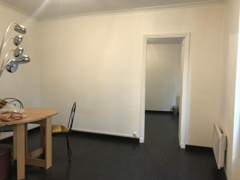 Location appartement Paris 10ème 1450€ CC - Photo 5