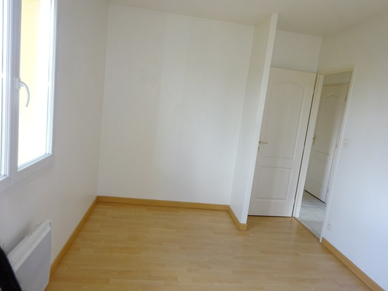 Location maison / villa Bron 1 340€ CC - Photo 7