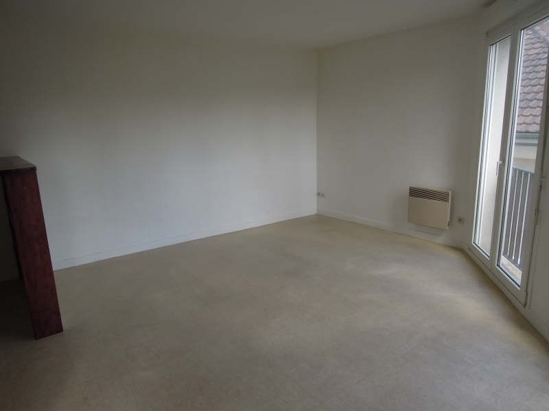 Rental apartment Crepy en valois 470€ CC - Picture 3