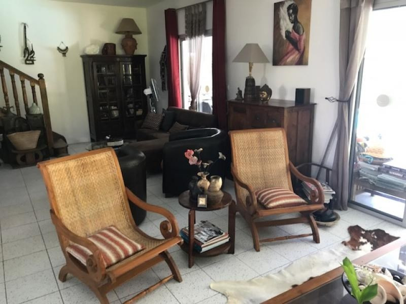 Deluxe sale house / villa Bras panon 600000€ - Picture 2