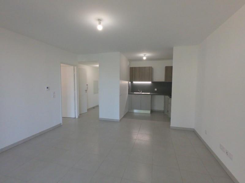 Location appartement Les milles 850€ CC - Photo 4