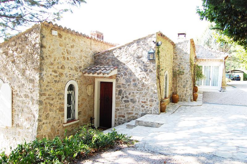 Revenda residencial de prestígio casa Le canton de fayence 895000€ - Fotografia 18