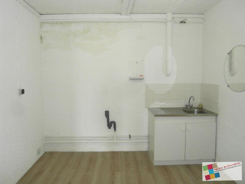 Rental empty room/storage Chateaubernard 661€ CC - Picture 8