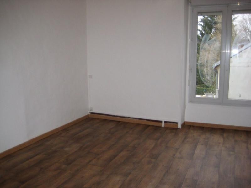 Location maison / villa Laval 550€ CC - Photo 3