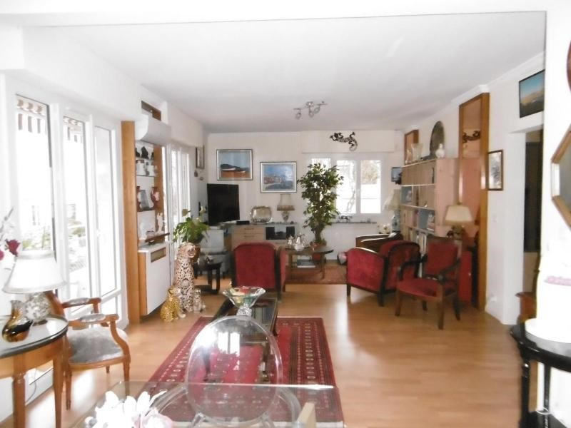 Sale apartment Vichy 286 000€ - Picture 1