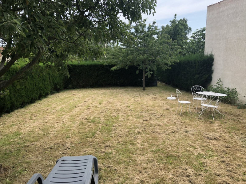 Location appartement La ville du bois 865€ CC - Photo 11