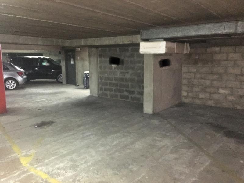 Rental parking spaces Paris 16ème 225€ CC - Picture 1