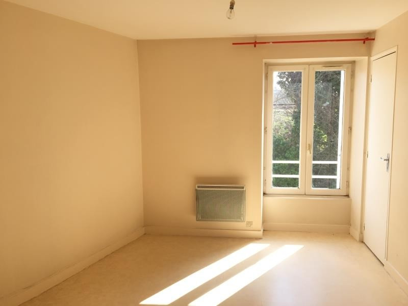 Location appartement Liguge 343€ CC - Photo 4