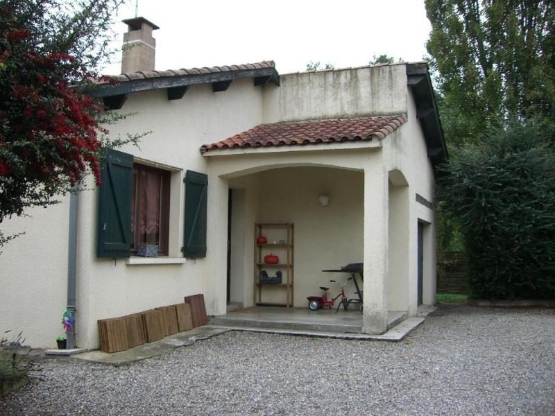Location maison / villa Saint jean 955€ CC - Photo 1